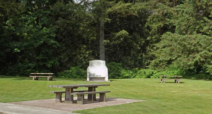 Bradley day-use area and picnic table