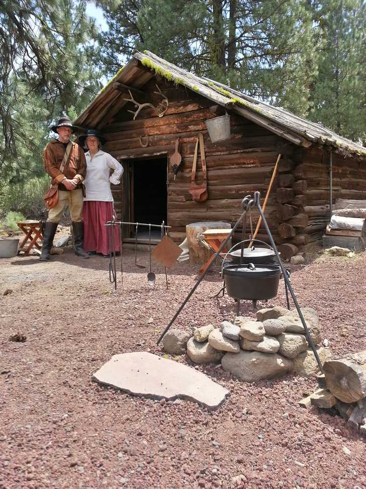 Mountain Men of the Pioneer Village