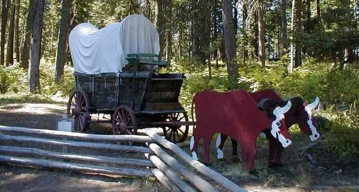 diorama covered wagon