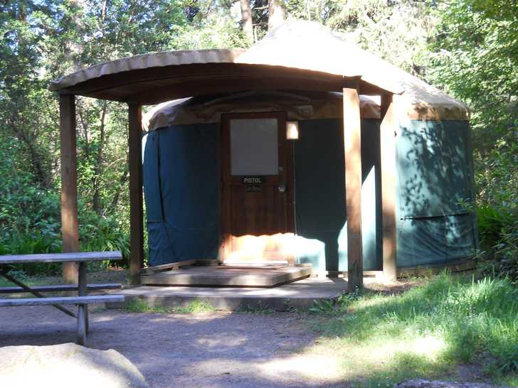 Oregon state parks and recreation department harris beach for Oregon state parks yurts and cabins