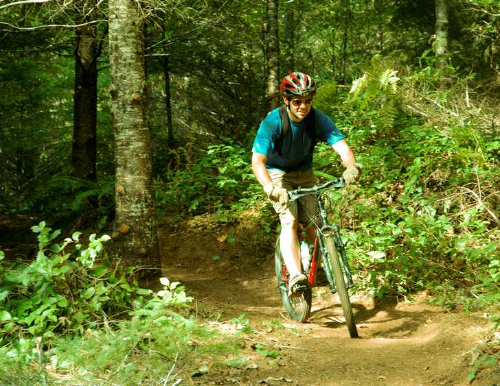 Enjoy 6 miles of cross-country and freeride mountain bike trails