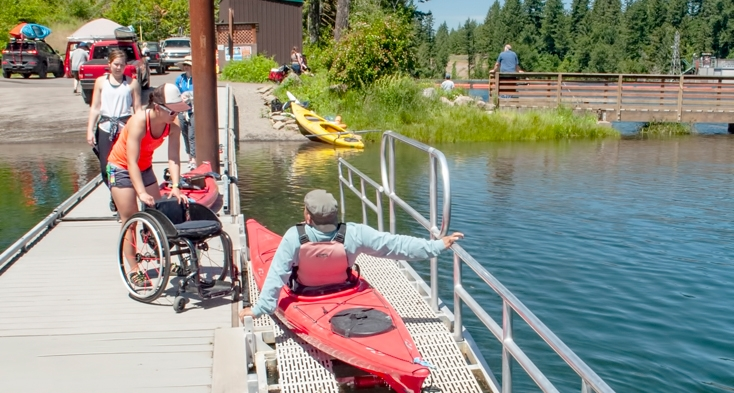 An ADA kayak launch is at Estacada Lake