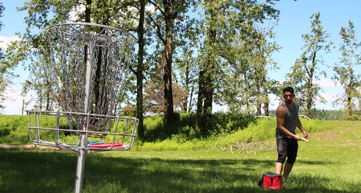 Enjoy two disc golf courses: the west course is a good place to learn the game&#x3b; the east course is for those who want a technical challenge.