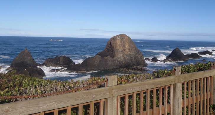 View of rocks north of Seal Rock