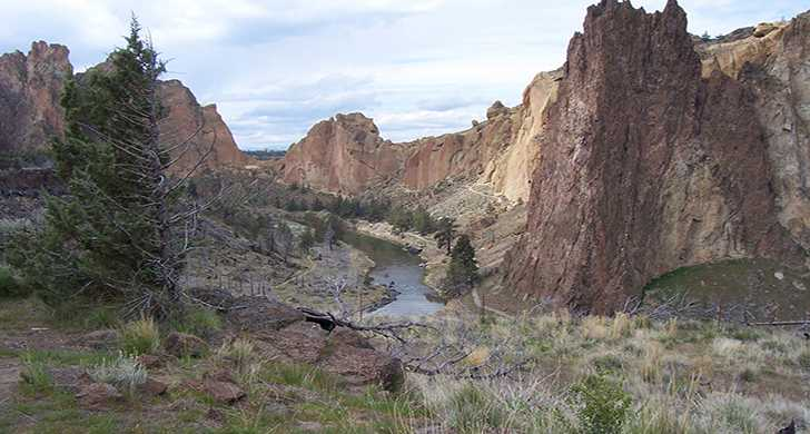 Smith Rock canyon view